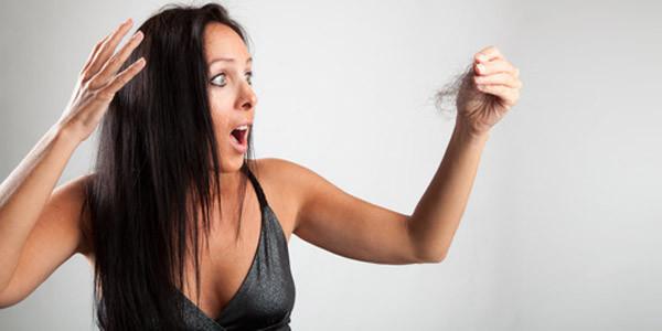 tratamiento-para-la-caida-del-cabello-mujeres-dermosalud-colombia-alopesia